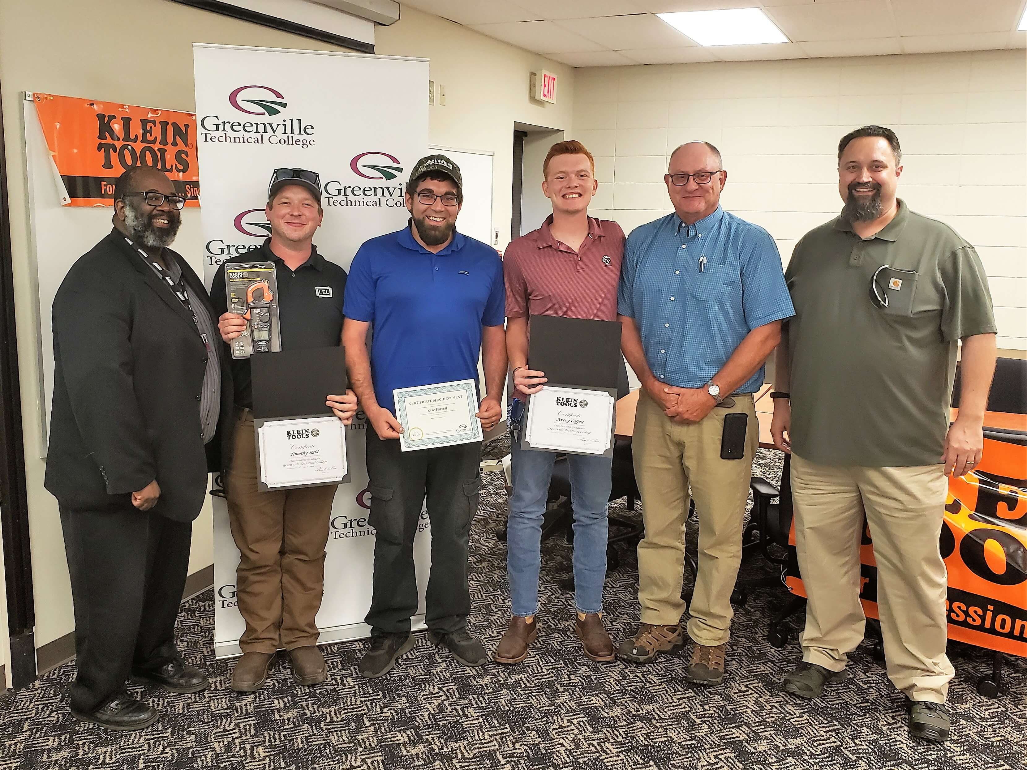 Hvac R And Industrial Electricity Graduates Awarded Industry